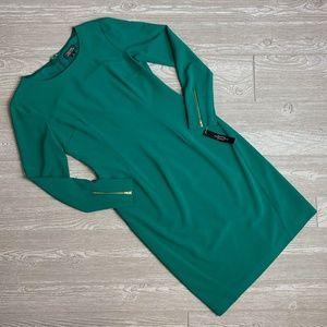 🍁 NWT Tahari Green Long Sleeve Holiday Dress
